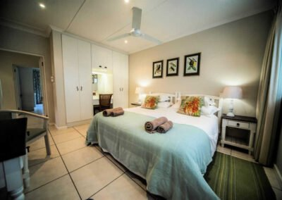 Wine-walk 4 star farm accommodation